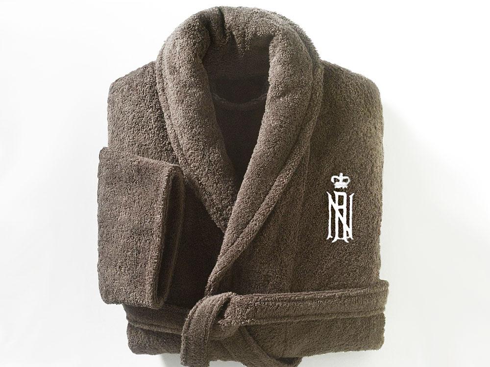 Вышивка на халате